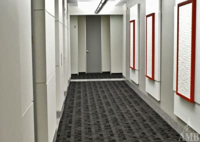 801 Travis  – Corridors & Restrooms