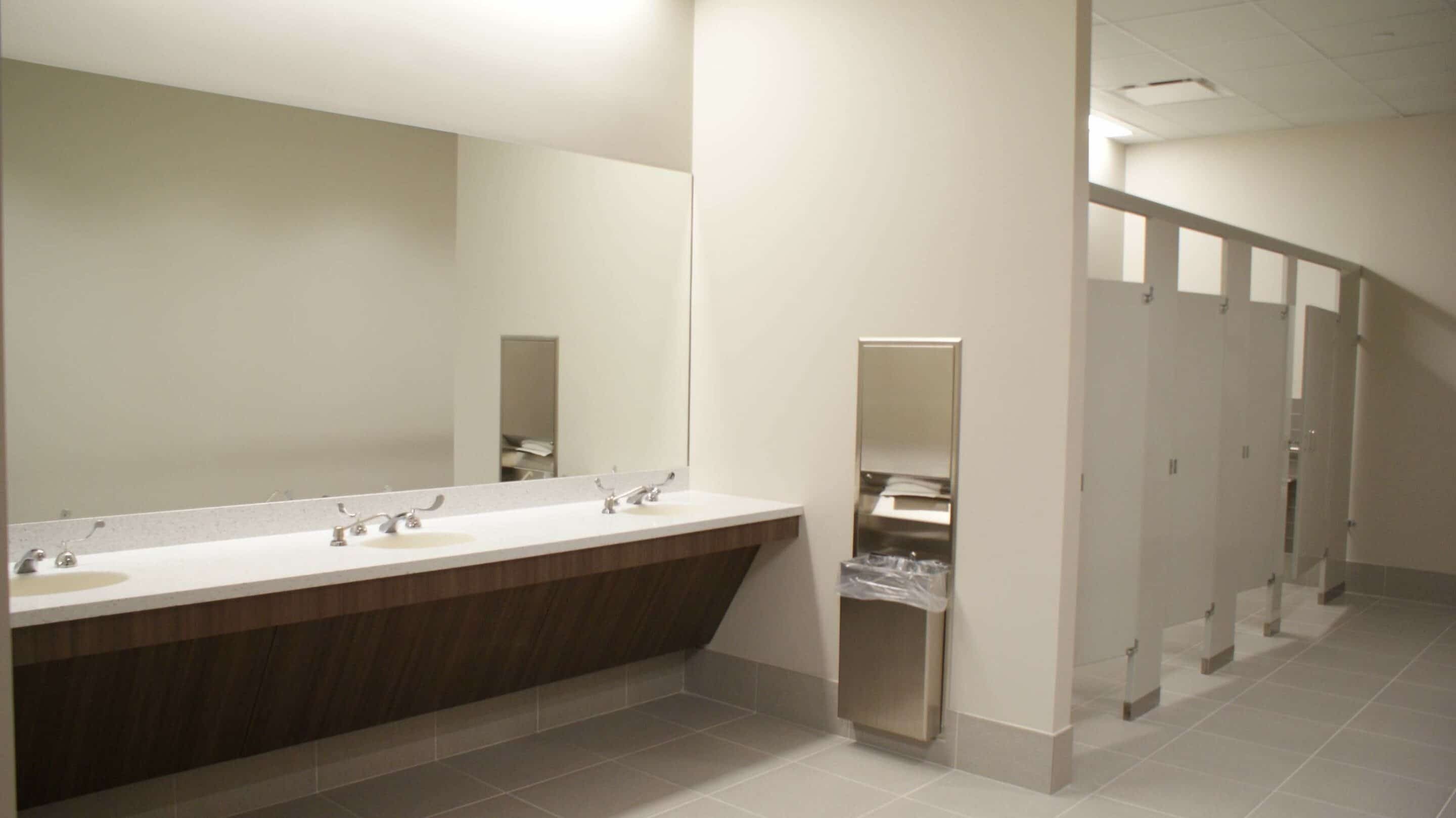 AMB Architects-QMAX Lab-Restroom-2015-06