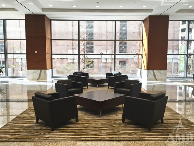 5 Houston Center - Lobby