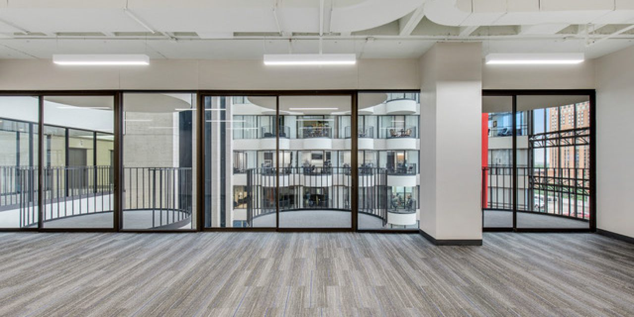 AMB Architects_Galleria Financial Center Spec Suites_2019_Open Work Area